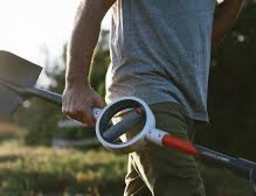 Bosse Tools Creates the First Ergonomic Shovel
